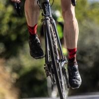 Rogelli RCS-14 Skarpetki rowerowe czarno czerwone