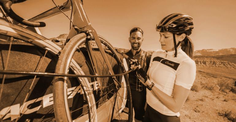 linka zabezpieczająca do roweru to kompaktowe zapięcie rowerowe