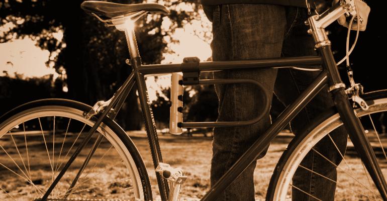 u-lock to najskuteczniejsze zapięcie rowerowe zabezpieczające rower przed kradzieżą