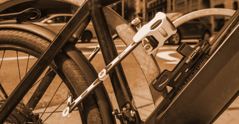 zapięcie rowerowe składane jest skutecznym i kompaktowym zabezpieczeniem