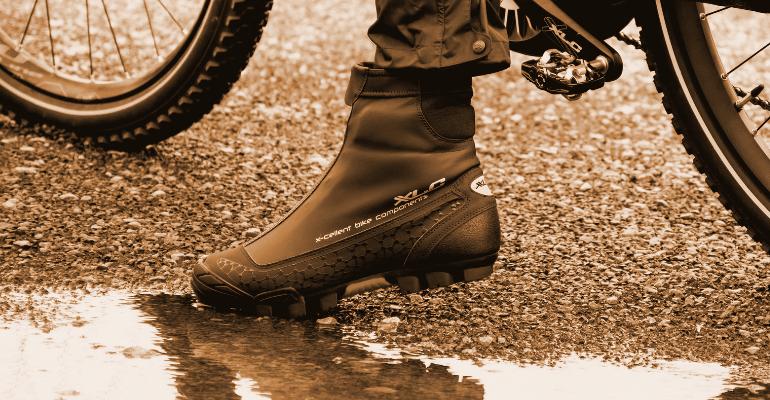 buty rowerowe zimowe zapewniające komfort cieplny w czasie mrozu