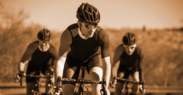 przeciwsłoneczne okulary sportowe chronią nasz wzrok podczas aktywności