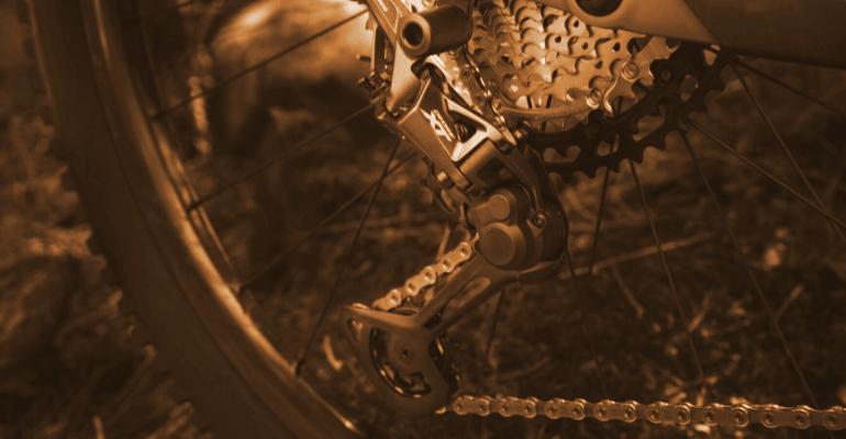 przerzutki rowerowe marki Shimano w rowerze górskim
