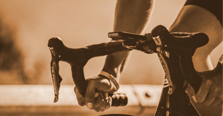 nawigacja rowerowa pozwala na analizowanie trasy i parametrów treningowych